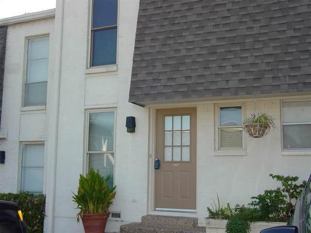 900 S Weatherred Drive 900-B, Richardson, TX 75080 (MLS #14199322) :: Potts Realty Group