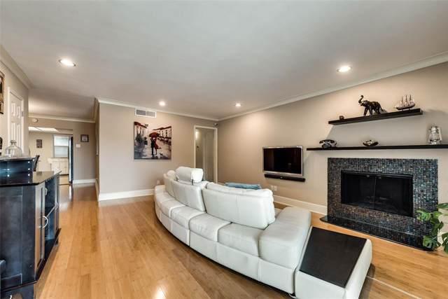 10201 Regal Oaks Drive #203, Dallas, TX 75230 (MLS #14205641) :: The Hornburg Real Estate Group