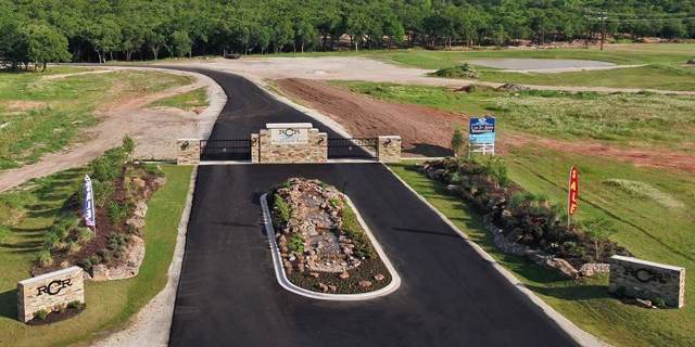 304 Kenyon Court, Granbury, TX 76049 (MLS #14211809) :: The Hornburg Real Estate Group