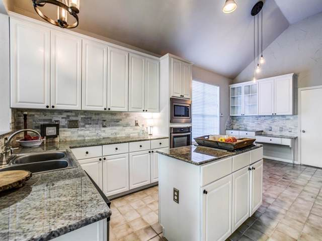 2704 Summerwood Court, Mckinney, TX 75072 (MLS #14212916) :: RE/MAX Town & Country