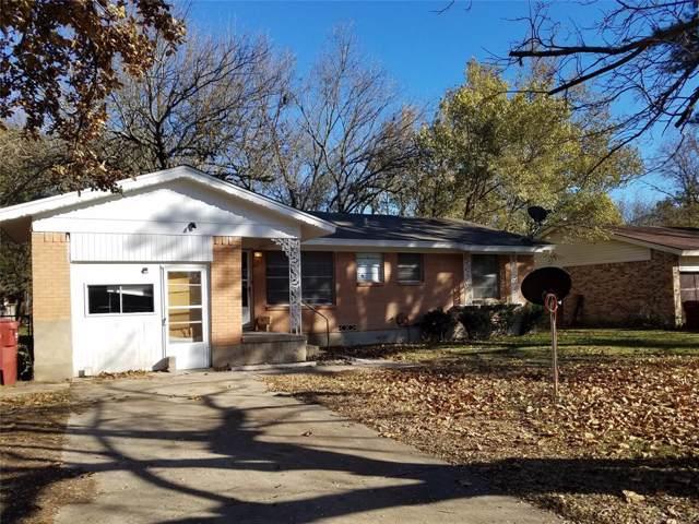 704 Lusk Street, Bonham, TX 75418 (MLS #14225771) :: Dwell Residential Realty