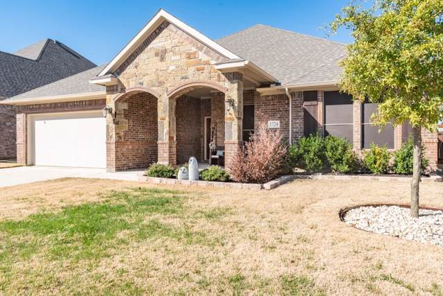 1724 Stillwater Drive, Burleson, TX 76028 (MLS #14226868) :: RE/MAX Town & Country