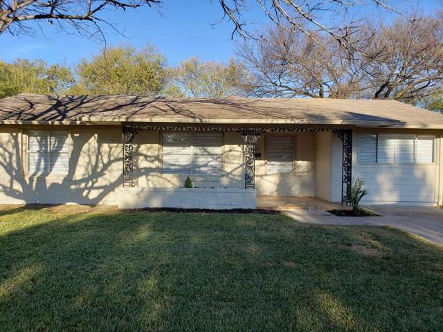 3705 Strayhorn Drive, Mesquite, TX 75150 (MLS #14228245) :: The Kimberly Davis Group