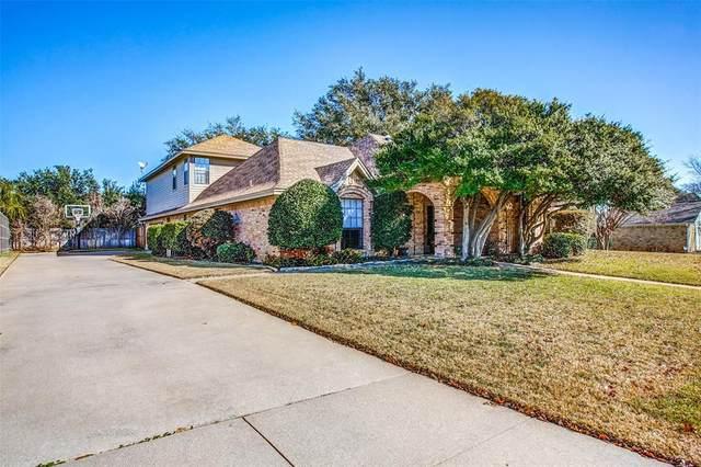 2703 Ridge Top Lane, Arlington, TX 76006 (MLS #14235855) :: HergGroup Dallas-Fort Worth