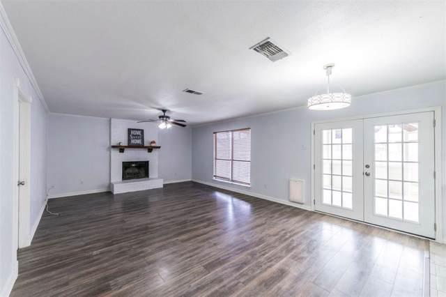 4106 Emerson Drive, Grand Prairie, TX 75052 (MLS #14239675) :: Ann Carr Real Estate