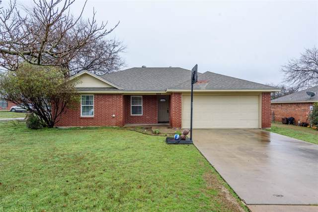 1704 N Mcdonald Avenue, Decatur, TX 76234 (MLS #14259093) :: The Chad Smith Team