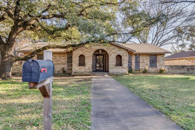 1217 Crestwood Drive, Cleburne, TX 76033 (MLS #14260279) :: RE/MAX Town & Country