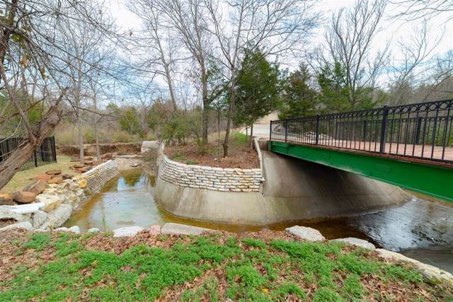 405 Canyon Creek Trail, Fort Worth, TX 76112 (MLS #14263654) :: Team Hodnett