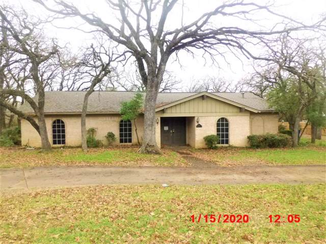 741 NW Tarrant Avenue, Burleson, TX 76028 (MLS #14263791) :: The Chad Smith Team