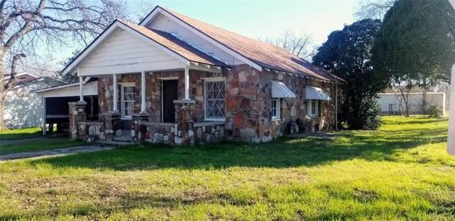 300 E Walcott Avenue, Comanche, TX 76442 (MLS #14268017) :: Potts Realty Group