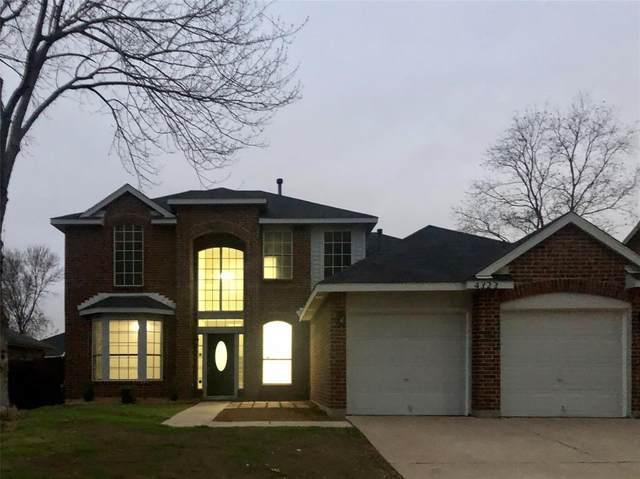 4323 Briar Hill Drive, Grand Prairie, TX 75052 (MLS #14274952) :: Ann Carr Real Estate