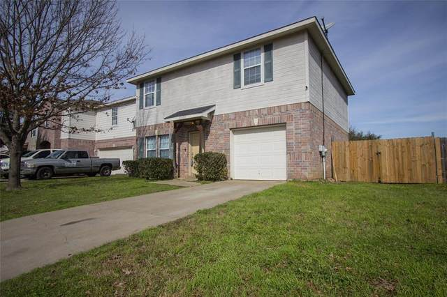 3025 Ronay Drive, Forest Hill, TX 76140 (MLS #14276833) :: NewHomePrograms.com LLC