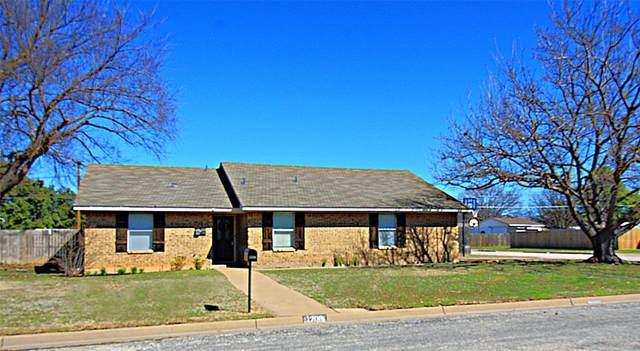 1200 Corvadura Street, Graham, TX 76450 (MLS #14279090) :: The Kimberly Davis Group