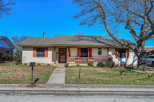 1900 College Street, Gainesville, TX 76240 (MLS #14280375) :: The Kimberly Davis Group