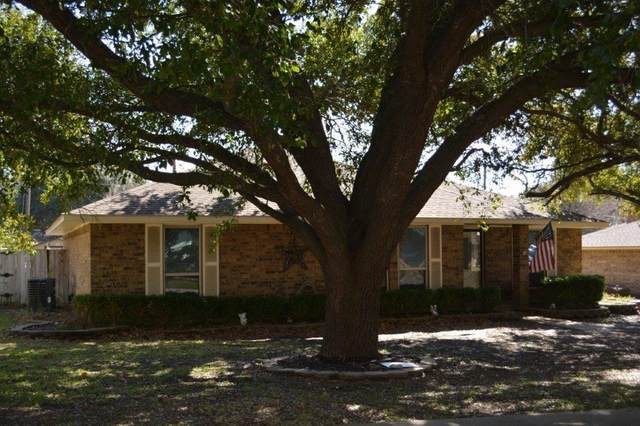 901 Casa Linda, Ennis, TX 75119 (MLS #14282268) :: The Chad Smith Team