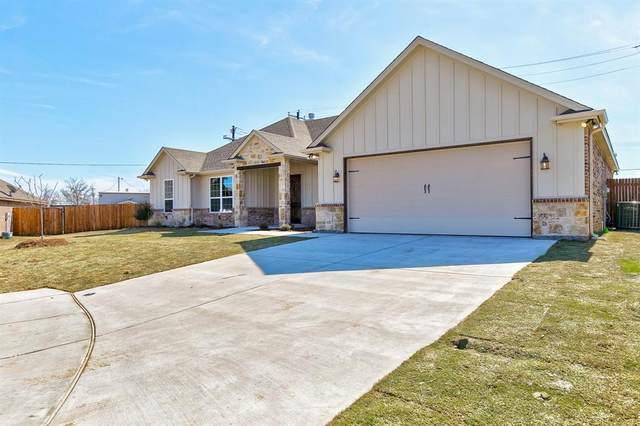 305 Nolan River Run, Godley, TX 76044 (MLS #14285677) :: Potts Realty Group