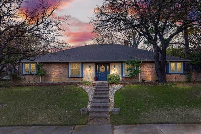 1808 Morrison Drive, Fort Worth, TX 76112 (MLS #14287671) :: The Kimberly Davis Group