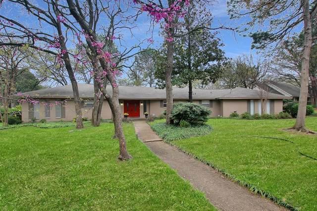 1819 Concord Lane, Denton, TX 76205 (MLS #14303305) :: Real Estate By Design
