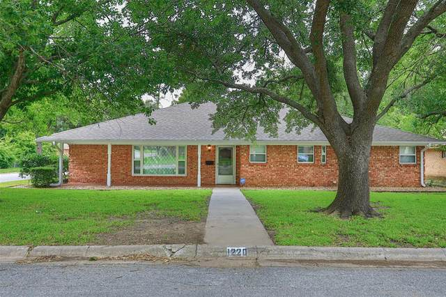 1220 Elmwood Street, Gainesville, TX 76240 (MLS #14306706) :: The Mitchell Group
