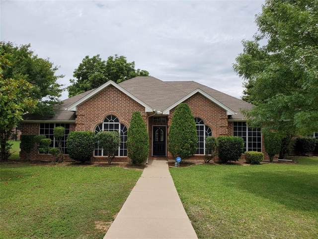2800 Coventry Road, Crowley, TX 76036 (MLS #14308454) :: Potts Realty Group