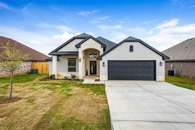 447 Silverton Drive, Granbury, TX 76049 (MLS #14308863) :: Tenesha Lusk Realty Group