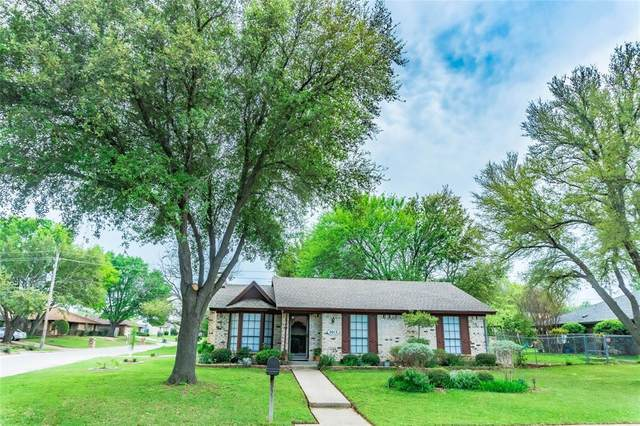 2013 Tippy Terrace, Edgecliff Village, TX 76134 (MLS #14312414) :: All Cities USA Realty