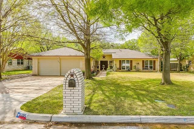 1205 W Redbud Drive, Hurst, TX 76053 (MLS #14312735) :: The Kimberly Davis Group