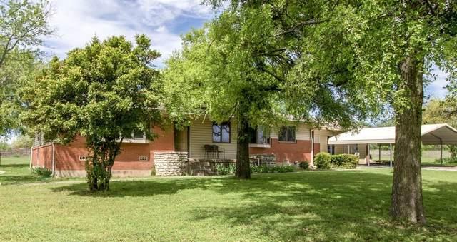 1829 N Main Street, Weatherford, TX 76085 (MLS #14313116) :: NewHomePrograms.com LLC