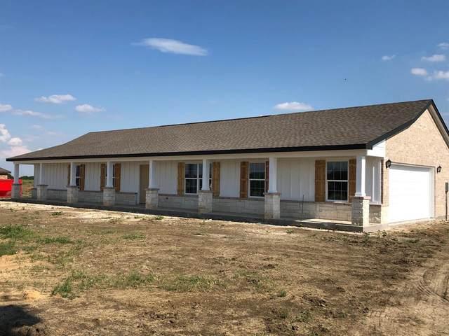 8104 Harvest Drive, Grandview, TX 76050 (MLS #14318171) :: The Welch Team
