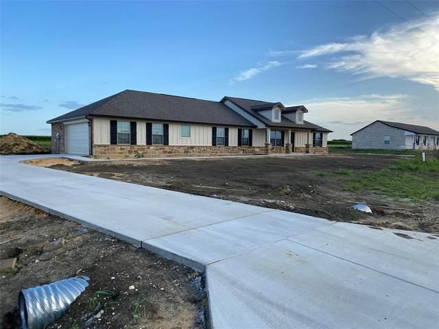 8108 Harvest Drive, Grandview, TX 76050 (MLS #14318210) :: Team Tiller