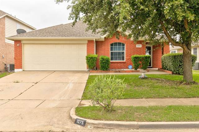 1075 Twin Brooks Drive, Grand Prairie, TX 75052 (MLS #14325732) :: The Hornburg Real Estate Group