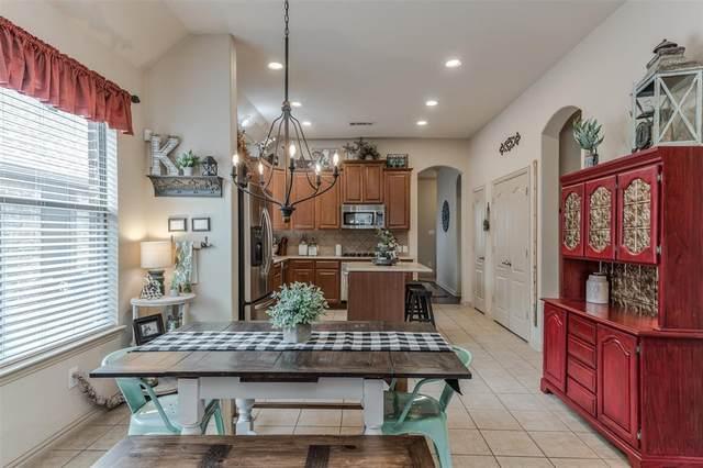 3205 Evening Wind Road, Denton, TX 76208 (MLS #14328761) :: Frankie Arthur Real Estate