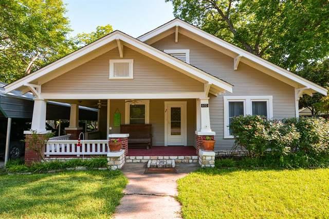 402 Scurlock Street, Grandview, TX 76050 (MLS #14332193) :: The Chad Smith Team