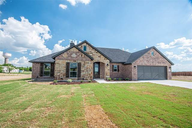 105 Tall Pine, Godley, TX 76044 (MLS #14337915) :: Tenesha Lusk Realty Group