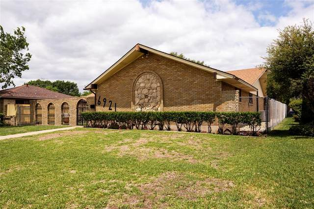 6921 Pickrell Drive, Dallas, TX 75227 (MLS #14339230) :: The Mitchell Group