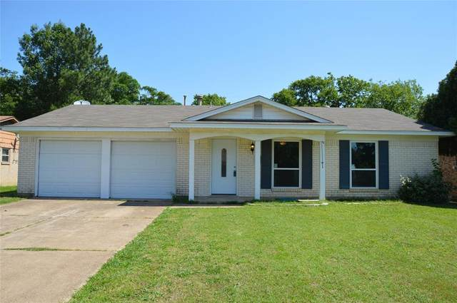 706 Fayette Drive, Euless, TX 76039 (MLS #14341635) :: The Chad Smith Team