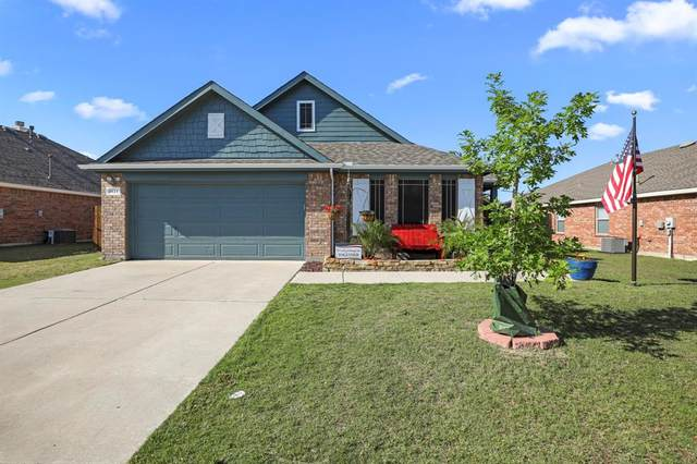 1424 Dun Horse Drive, Fort Worth, TX 76052 (MLS #14343391) :: Real Estate By Design
