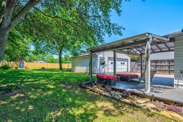 729 N Lucas Drive, Grapevine, TX 76051 (MLS #14347497) :: The Rhodes Team