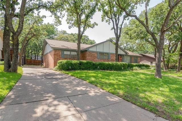 2857 Winterhaven Drive, Hurst, TX 76054 (MLS #14348410) :: The Chad Smith Team