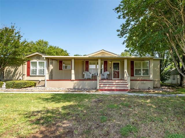 202 Brazos Harbor Drive, Granbury, TX 76048 (MLS #14348751) :: Team Tiller