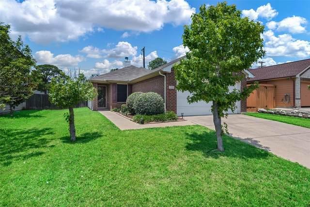 1549 Seabreeze Drive, Dallas, TX 75051 (MLS #14349186) :: The Hornburg Real Estate Group