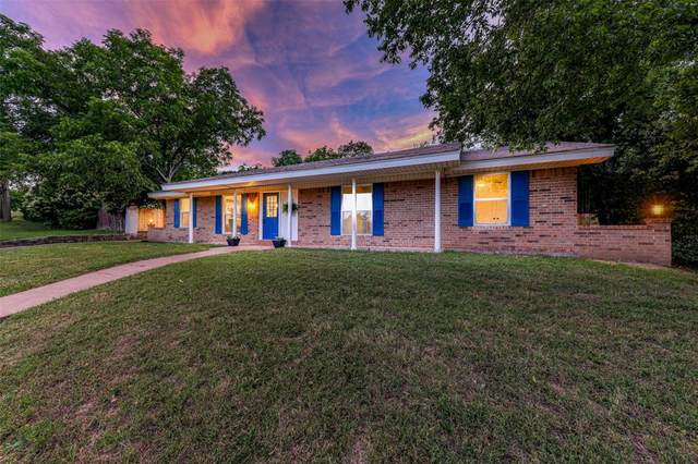 1208 Foster Lane, Weatherford, TX 76086 (MLS #14351590) :: The Mauelshagen Group