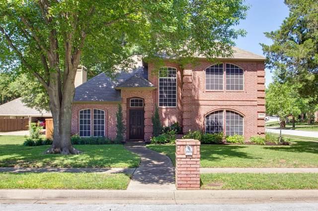 2033 Pecan Lane, Grapevine, TX 76051 (MLS #14352077) :: Team Tiller
