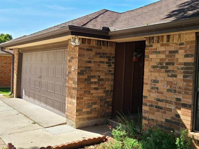 813 Woodhaven Lane, Grand Prairie, TX 75052 (MLS #14353506) :: Real Estate By Design