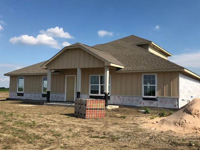 8200 Harvest Drive, Grandview, TX 76050 (MLS #14354494) :: The Welch Team
