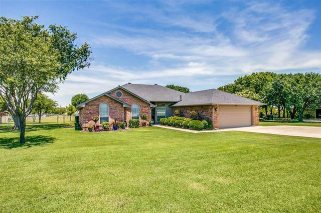 620 S Hardeman Circle, Justin, TX 76247 (MLS #14357097) :: Justin Bassett Realty
