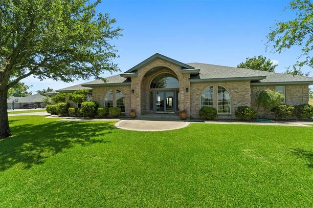 392 Hillside Drive, Muenster, TX 76252 (MLS #14364539) :: NewHomePrograms.com LLC
