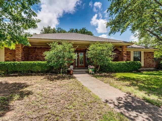 704 Hyde Park Boulevard, Cleburne, TX 76033 (MLS #14369312) :: Team Tiller