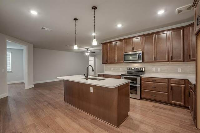1735 Wittington Place #3302, Farmers Branch, TX 75234 (MLS #14369424) :: The Chad Smith Team