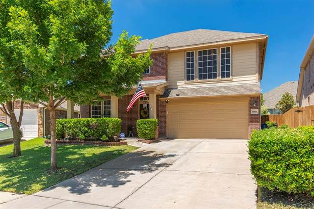 15404 Adlong Drive, Fort Worth, TX 76262 (MLS #14371021) :: NewHomePrograms.com LLC